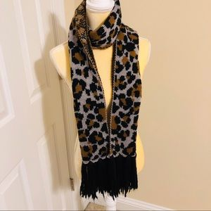 Old Navy Leopard Print Thick Scarf